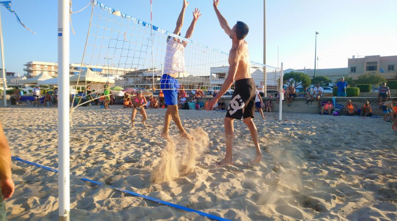 """El torneo """"Platges d'Oliva"""" pone el broche final a la temporada de playa 2019 del C.V. Oliva."""